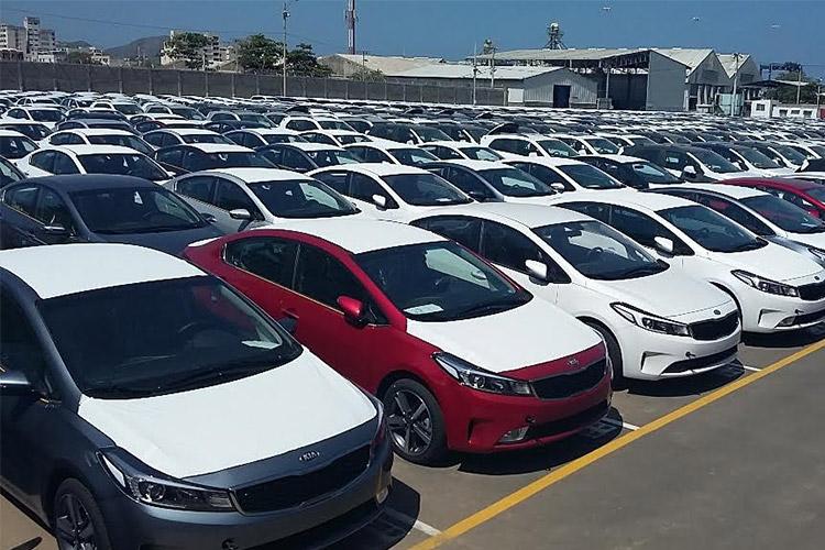 ,وارد کنندگان خودرو با ارز دولتی