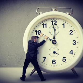 چرا ساعت ها در سال جدید جلو می روند؟
